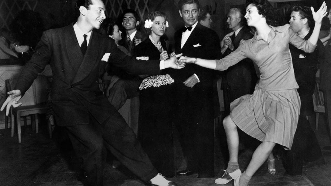 Saturday Night Swing Dance
